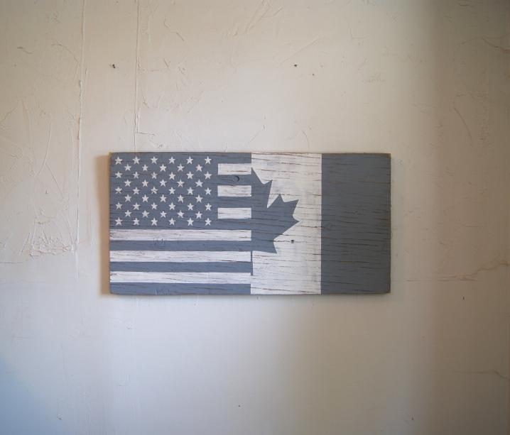 MONOCHROME HALF USA HALF CANADA